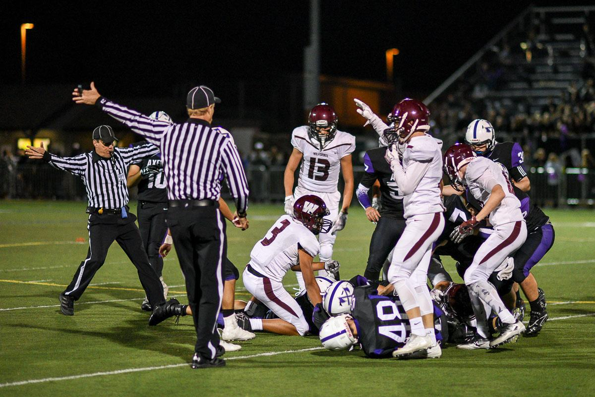 The Willamette Wolverines recover a fumble.  Willamette defeated South Eugene 31-8 at South.  Photo by Jeff Dean, Oregon New Lab