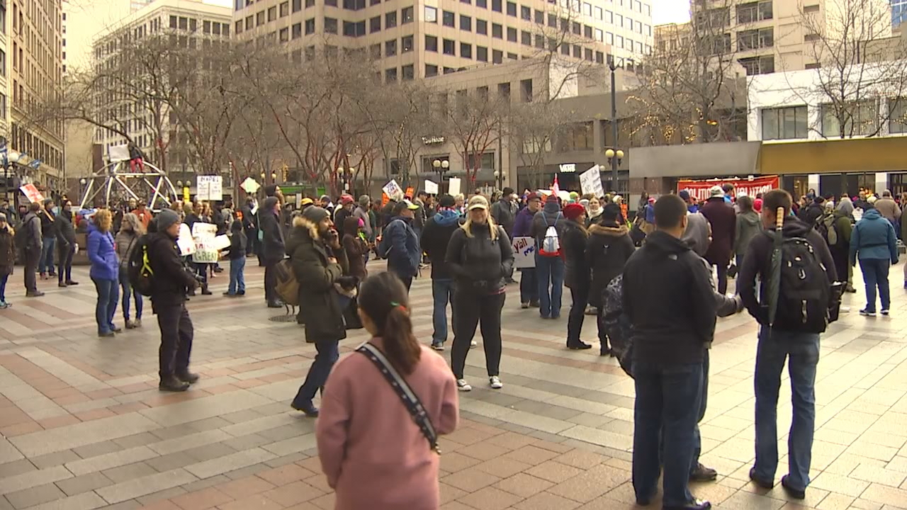 Thousands gathered in downtown Seattle Sunday night to speak out against President Donald Trump's refugee ban. (Photo: KOMO).