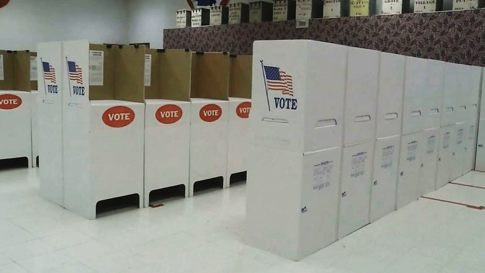 Voting booths (File KOKH).JPG