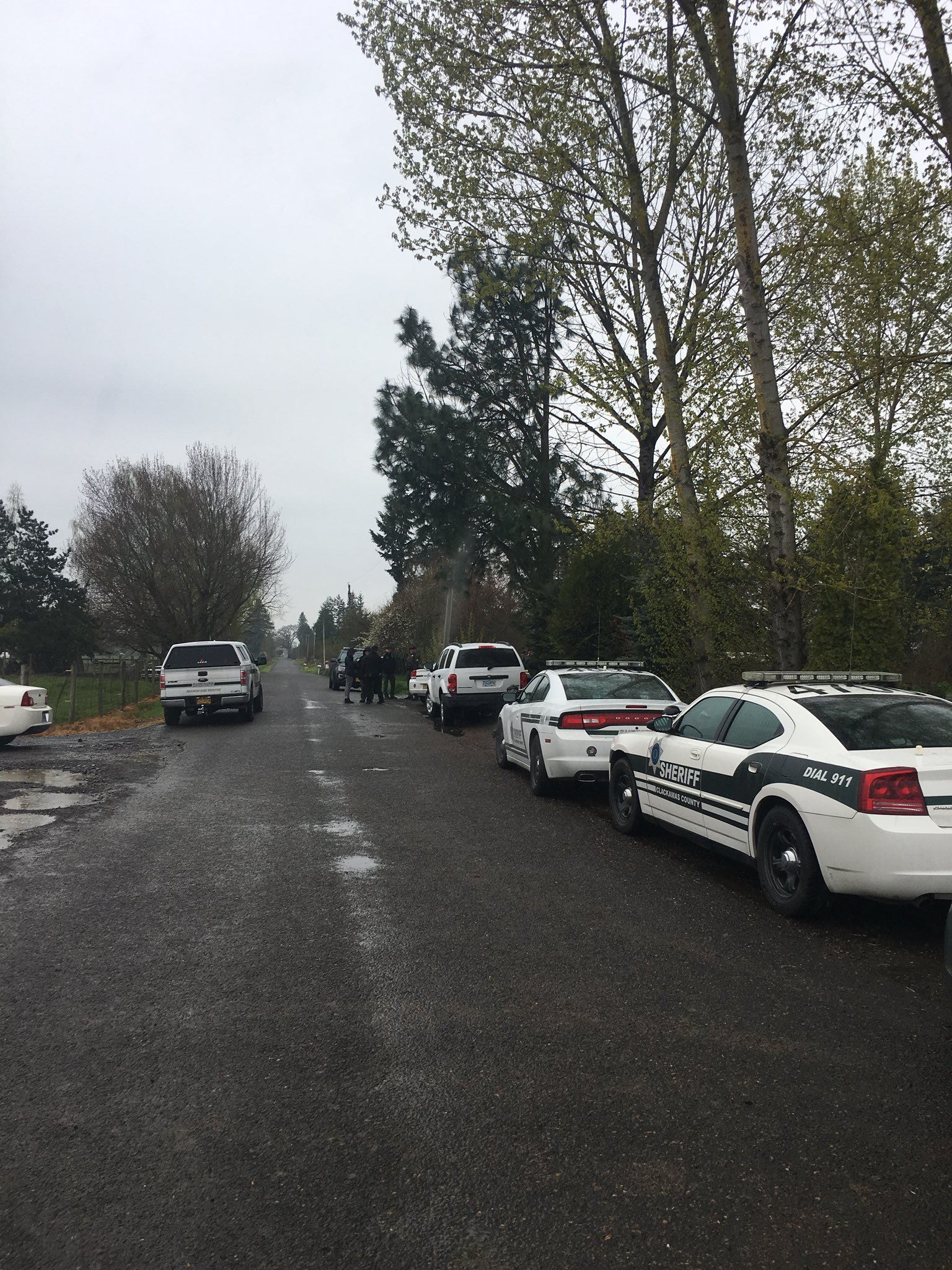 Clark County Sheriff's deputies on scene of shooting just outside Molalla (Photo courtesy Clackamas County Sheriff's Office)