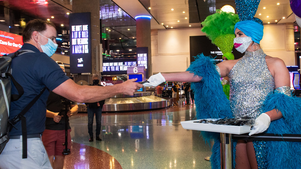 McCarran Airport holds 'no mask, no dice' event for incoming tourists