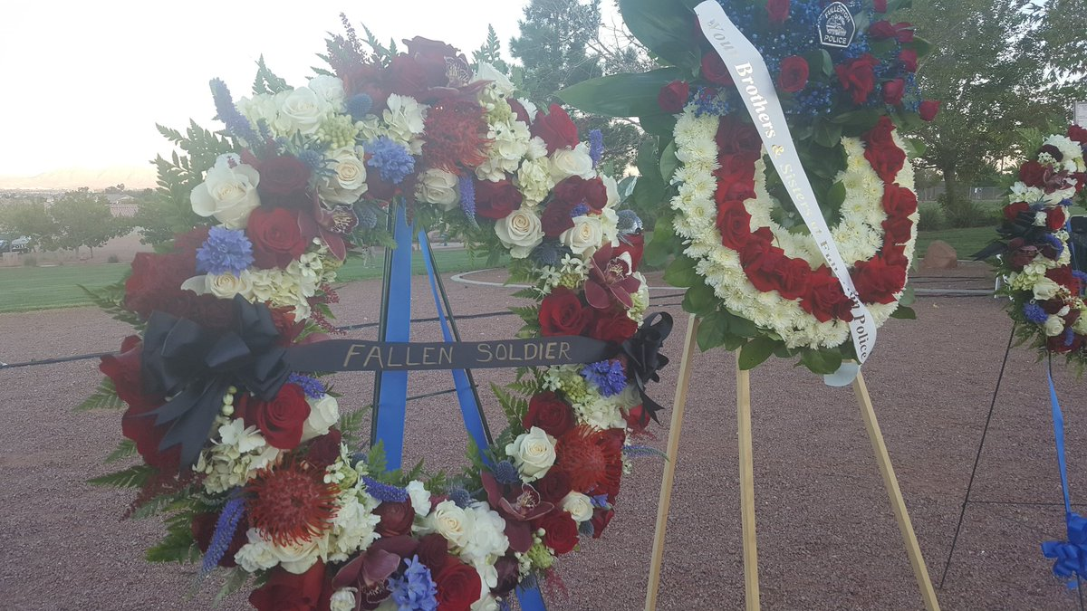Memorial for Officer Charleston Hartfield who died during Sunday's mass shooting. 10/05/17 (Christy Wilcox | KSNV){&amp;nbsp;}<br>