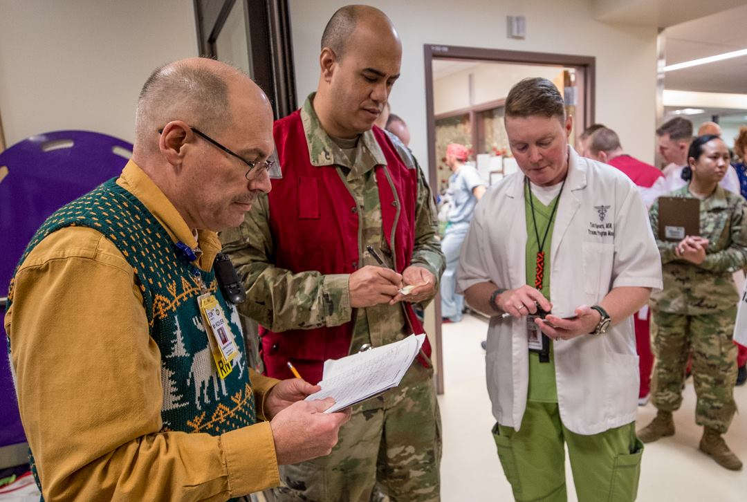 Madigan Amry Medical Center personnel work to treat victims injured in the derailment of an Amtrak Train near Tacoma on Dec. 18, 2017. (Photo: U.S. Army / Madigan Army Medical Center)