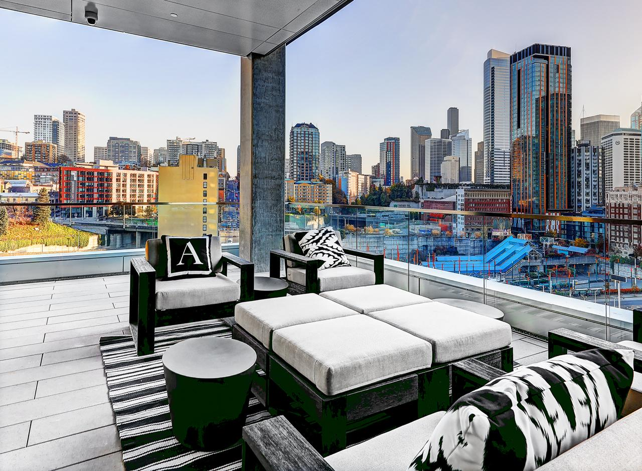The Level 12 Terrace affords residents a pleasant outdoor space with fireplaces and grill areas.<p></p>
