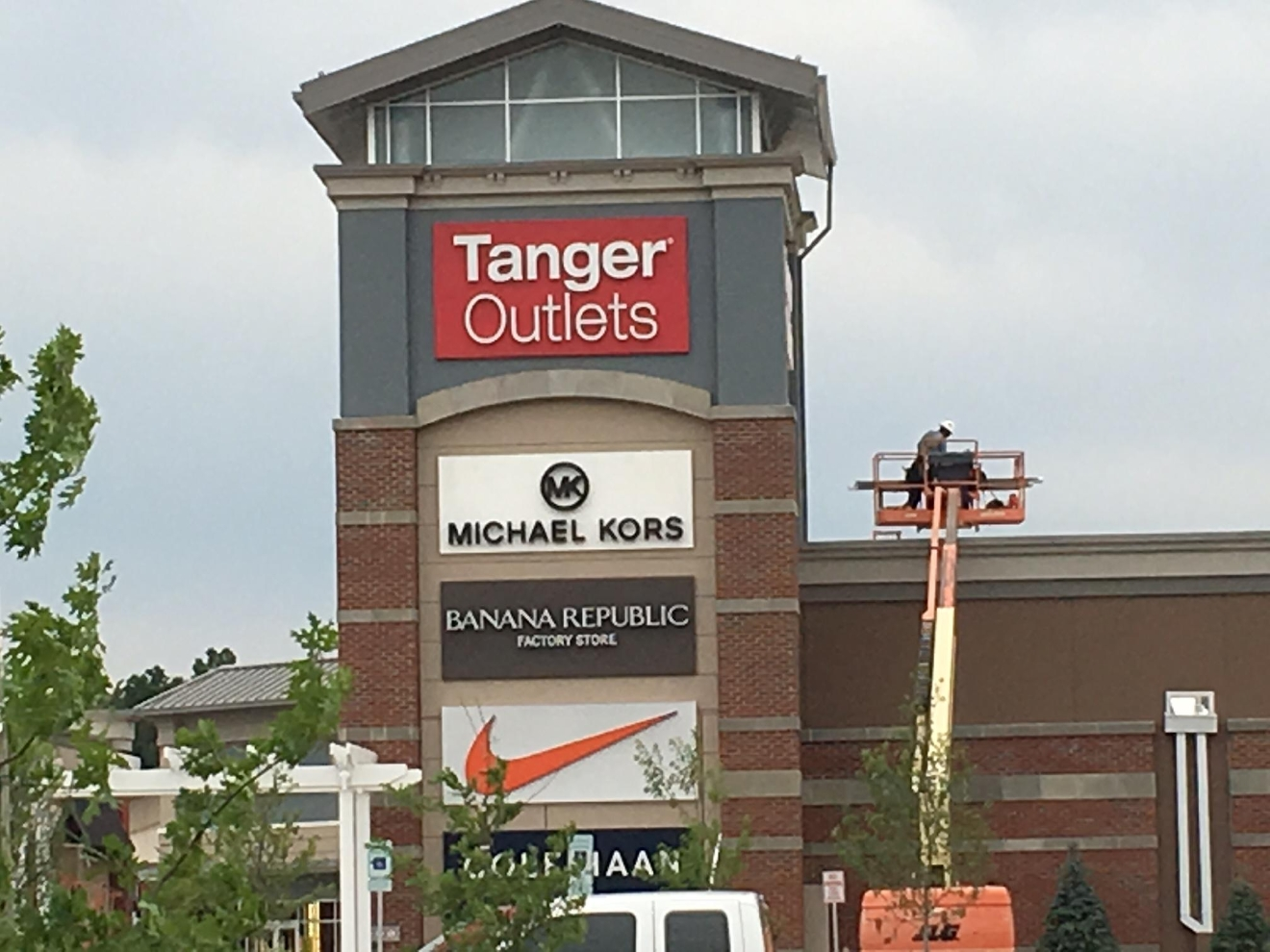 Tanger outlets will open thanksgiving stay open more than for Is waffle house open on thanksgiving